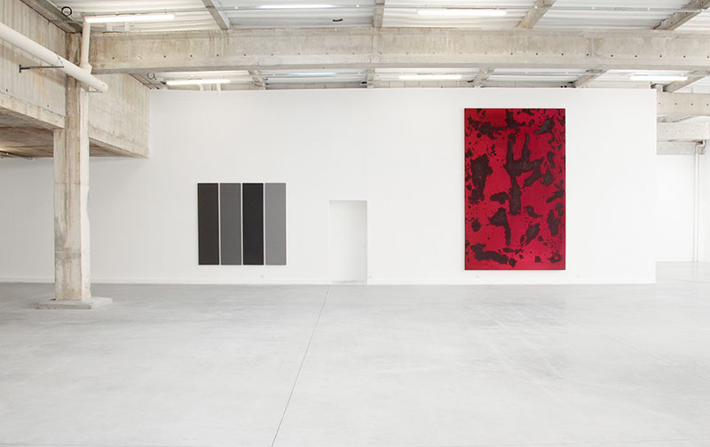 <p>Alan Charlton, <i>4 Different Greys</i>, 1990<br class='autobr' /> Gérard Traquandi, <i>Sans titre</i>, 2011</p>